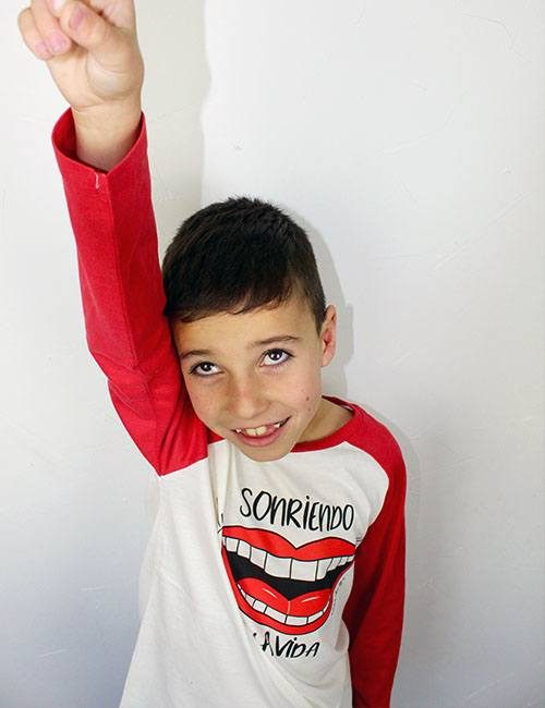 "Camiseta mangas largas para niños ""Sonriendo a la vida"""